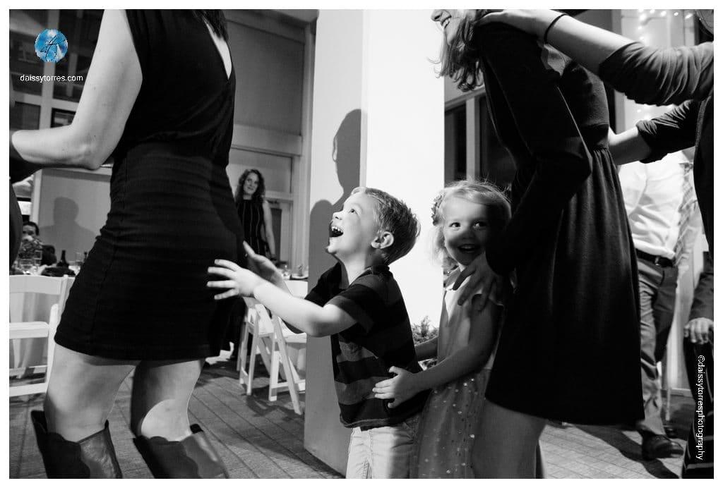 Virginia Aquarium Wedding - kids enjoying themselves